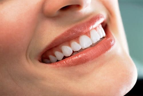 Cosmesi Naturale: Balsamo Labbra Nutriente e Lucidante Fai Da Te