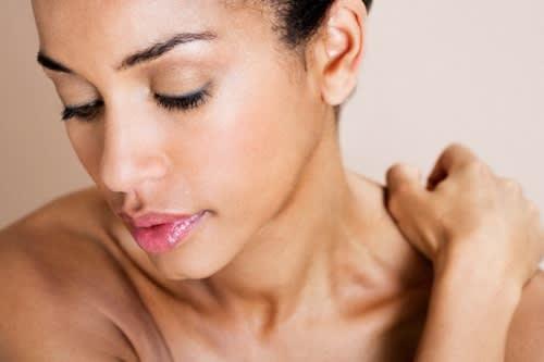 Sotto Stress? Ecco Come Reagiscono Pelle, Capelli e Unghie