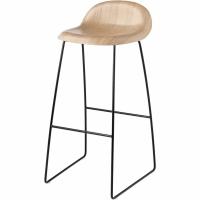 Gubi 3D (Kufengestell / Holz) von GUBI
