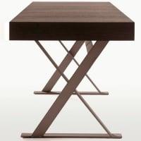 Max desk by maxalto