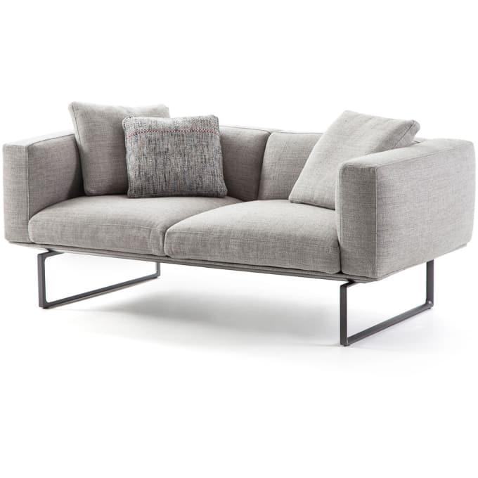 2 sitzer sofa 206 8 cube von cassina. Black Bedroom Furniture Sets. Home Design Ideas
