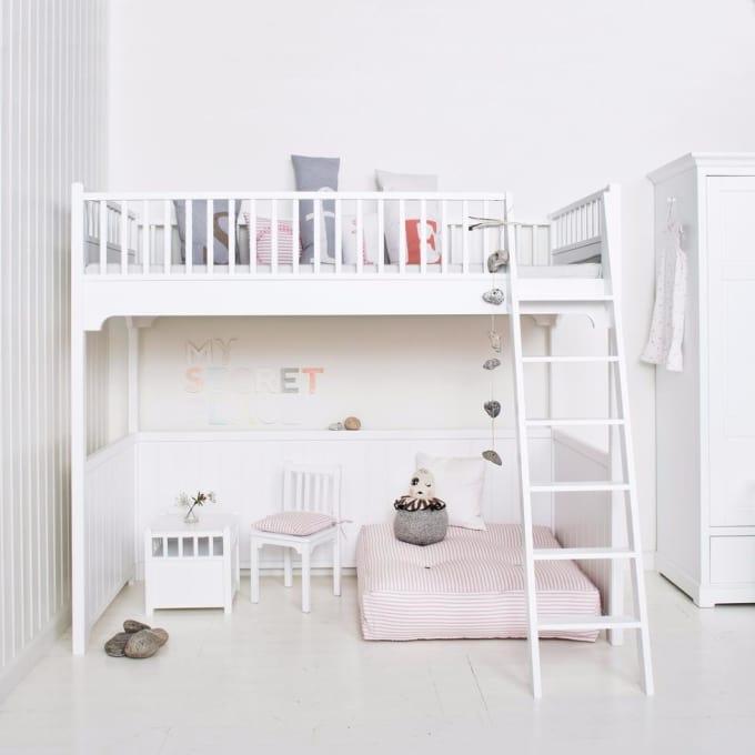 Oliver Furniture. Zoom Gallery