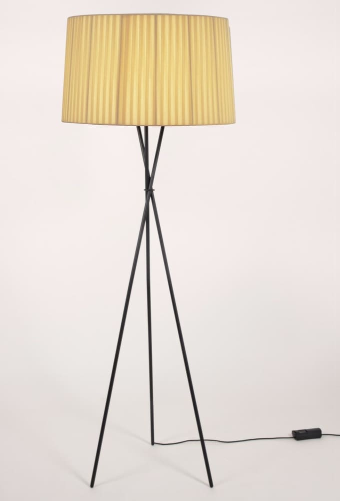 Floor lamp tripode g5 by santa cole