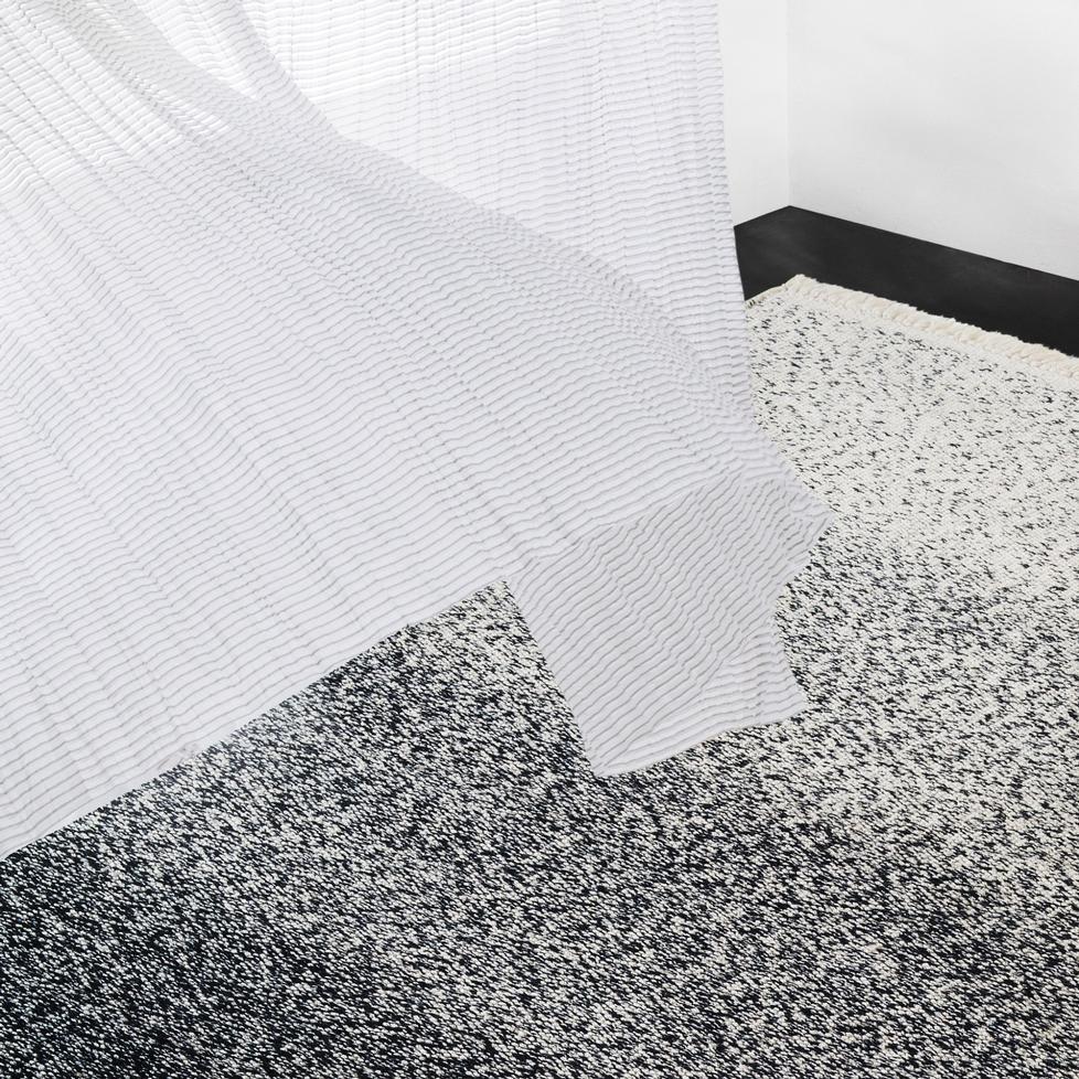 teppich bond von kinnasand. Black Bedroom Furniture Sets. Home Design Ideas