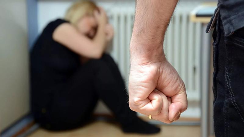 Когда муж сматерью избил жену какая статья куда обрашаться в
