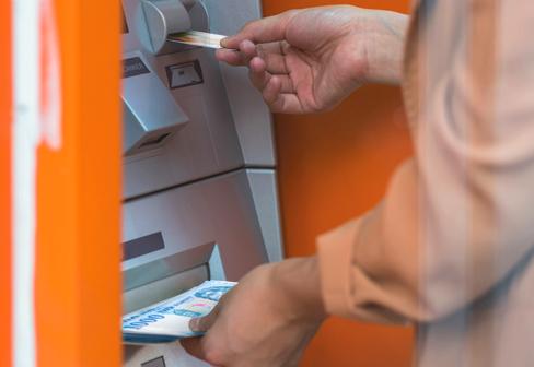 ATM-es készpénzbefizetés