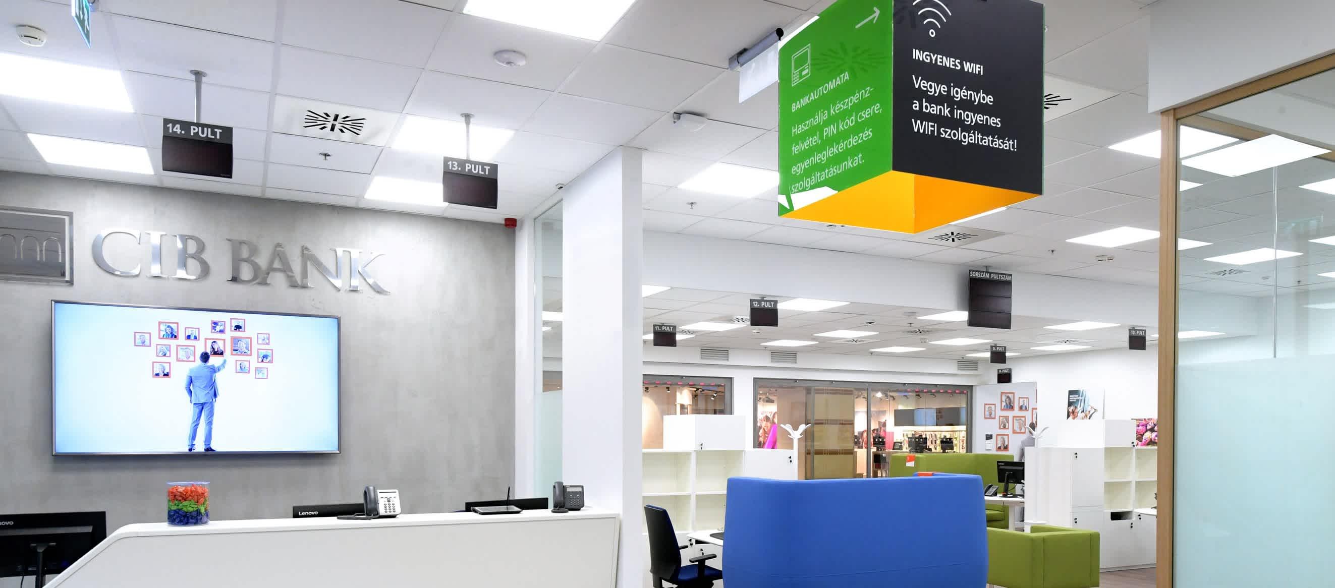 Újgenerációs bankfiókot nyitottunk a WestEndben
