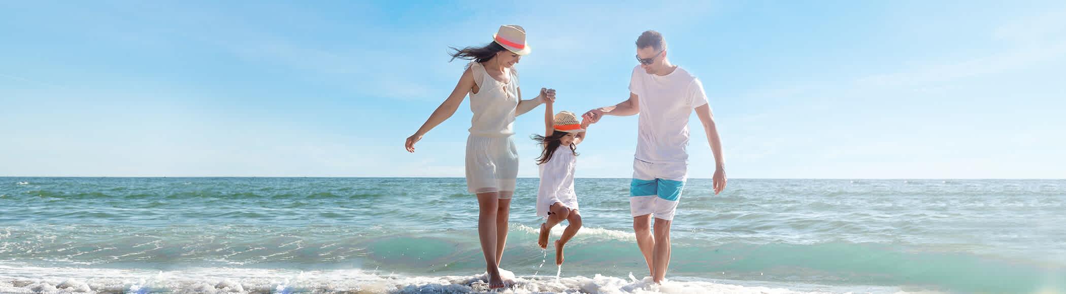 Družina na obali