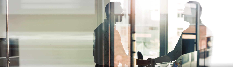 finančni lizing za podjetja, podjetnika se rokujeta