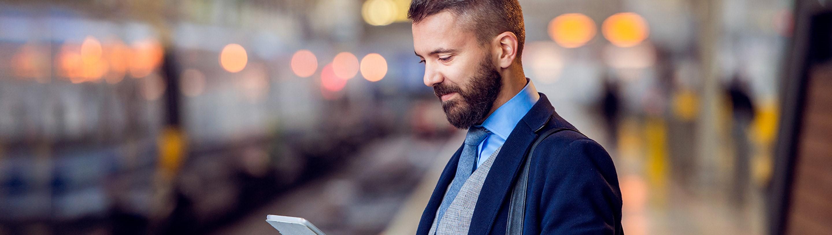 moski pregleduje ponudbo poslovnega transakcijskega racuna pravnih oseb in zasebnikov