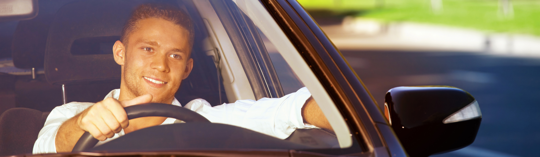 Moški za volanom