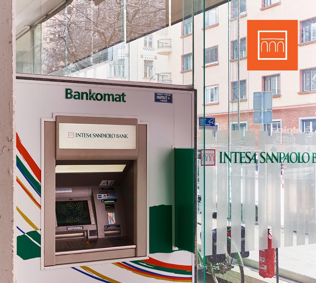 bankomat intesa sanpaolo bank