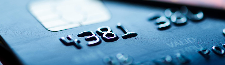 Plačilna kartica z dobro vidnim čipom
