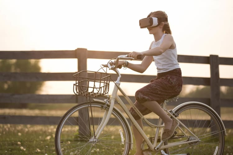 The Parent's Introductory Guide to Understanding Augmented & Virtual Reality