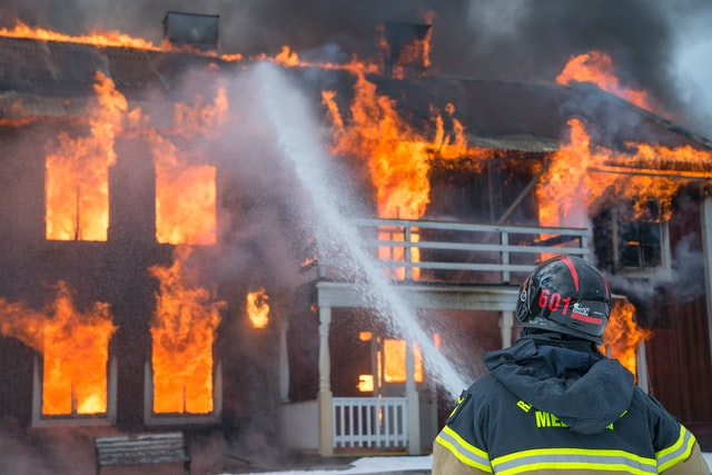 Brandschutz: So schützen Sie Ihr Zuhause gegen Feuer   Tresoro