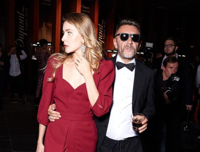 Вот это редкость: Сергей Шнуров показал новую жену в Instagram
