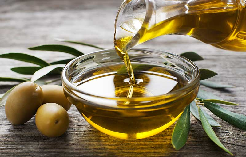Olive oil to get rid of dandruff
