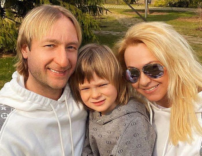 Забота о ветеранах: Плющенко и Рудковская решили показать пример