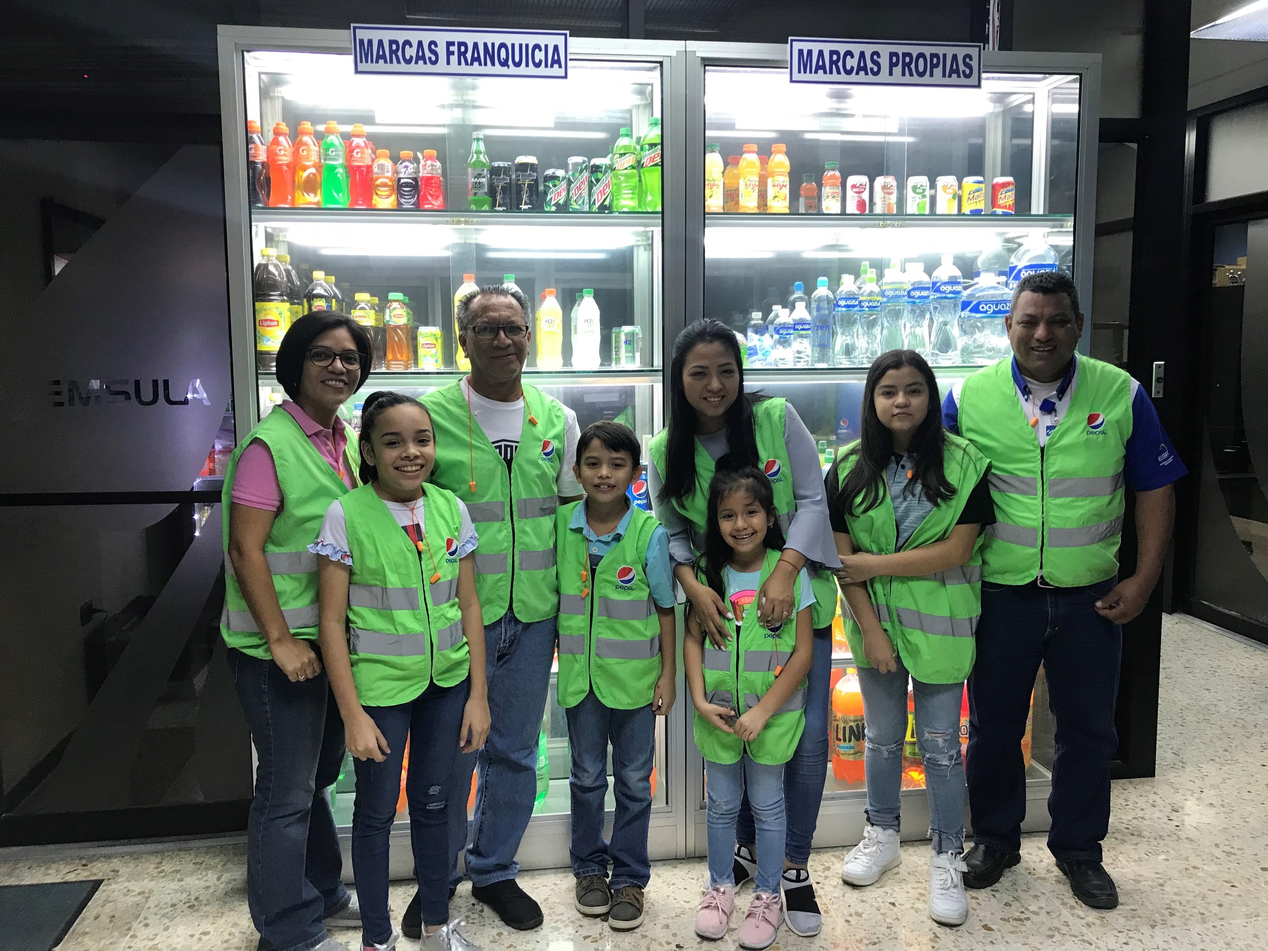 Familia de empleados Emsula