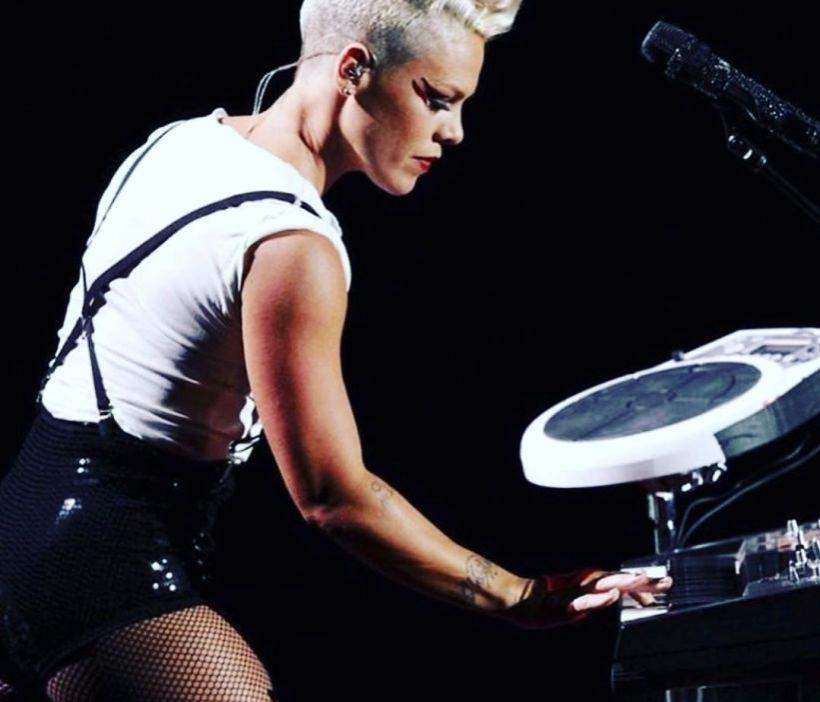 Певица Pink сообщила о своем заражении коронавирусом