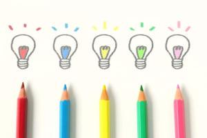 色鉛筆5本と上に書かれた前電球