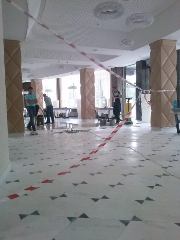 Уборка банкетного зала после ремонта