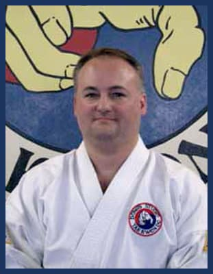 Master Bryan Bivins in Richmond - Dong's Karate