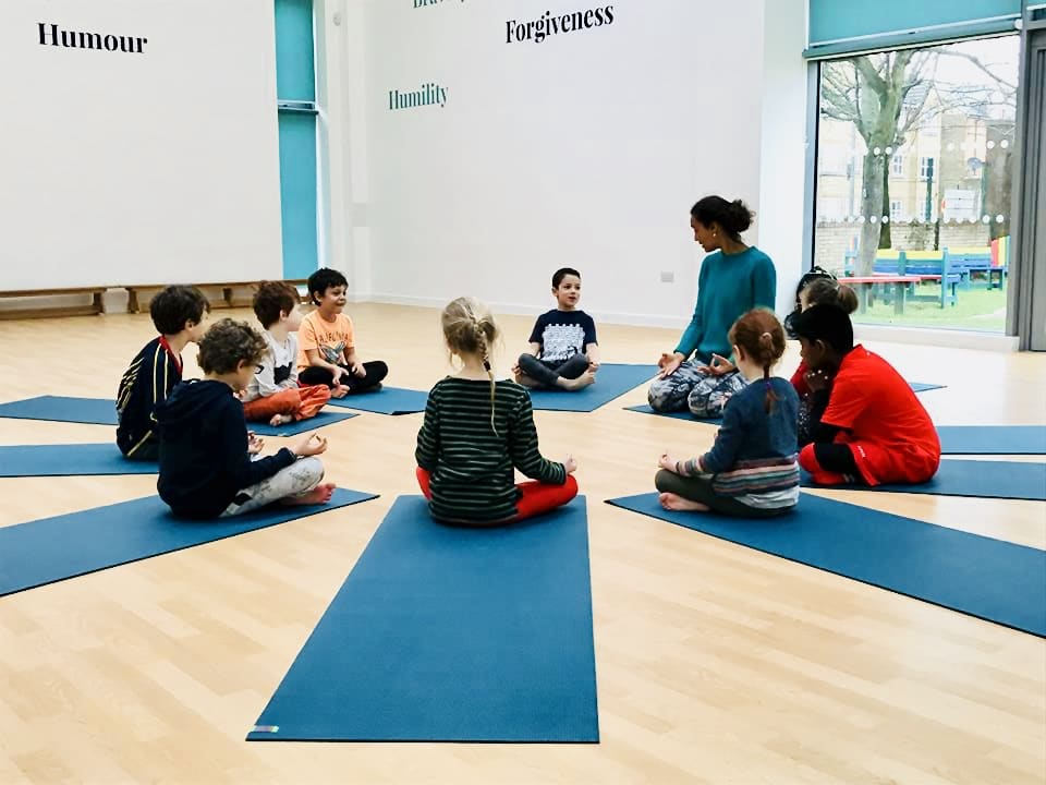 Kids yoga near EARLSFIELD