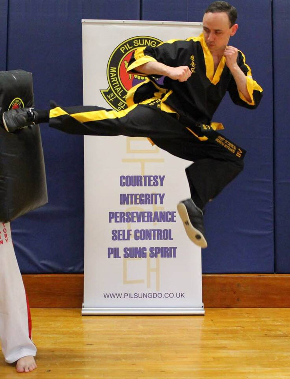 Grandmaster Nigel Glossop in Camberley - Pil Sung Do Martial Arts