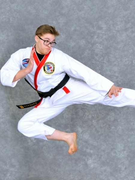 Simon Taylor in Maryville - Church's Taekwondo America