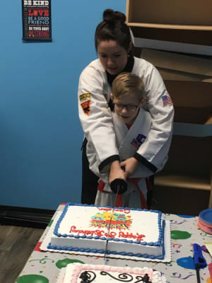 students in birthday parties in Edwardsville - Grogan's Academy Of Martial Arts