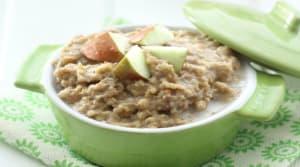 Recipe Of The Week: Slow Cooker Apple Pie Oatmeal