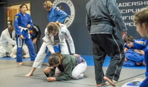 WOMEN – Martial arts is the best workout you're NOT doing!