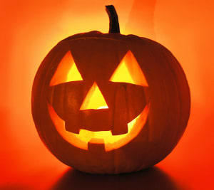 3 Ways to Keep Safe this Halloween!