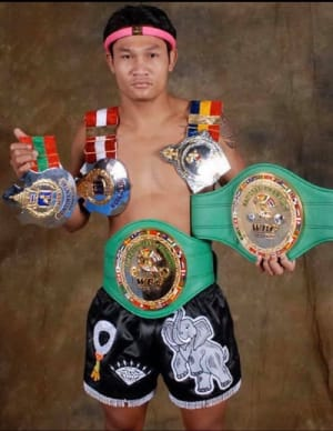 Muay Thai World Champion visits Tracy for American Top Team Students!