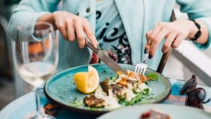 Eating Out Without Sacrificing Your Goals