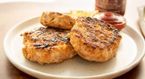 Weight-loss Recipe: Quick and Easy Sriracha Turkey Burgers for Grilling Season