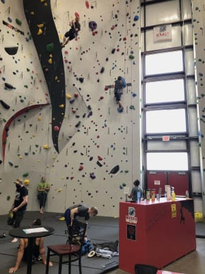 The Piano Man and the Climbing Gym: a Recipe for a Climbing Community