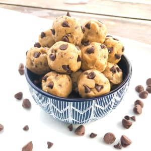 Protein Packed Recipe: Chocolate Chip Cookie Dough Balls