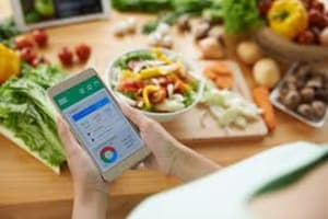 Nutrition Coach: 10 tips for tracking your food for success