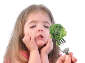 4 Ways To Get Your Child To Try New Foods Outside Of Mealtimes