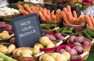 8 Feel Good Reasons to Eat Locally This Summer