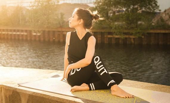Yoga - Olahraga di Rumah