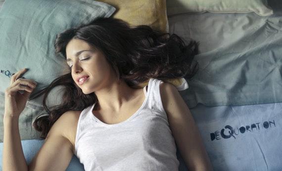 Tidur 8 Jam Sehari - Cara Ampuh Menurunkan Berat Badan