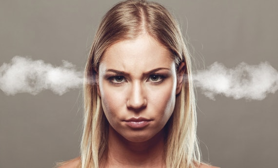 Menahan Emosi - Cara Menyelesaikan Masalah Dengan Pasangan