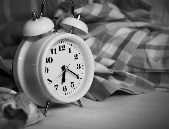 Jangan Snooze Alarm - Cara Bangun Tidur Agar Bisa Produktif
