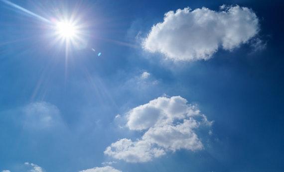 Hindari Sinar Matahari Siang Hari - Tips Kuat Berpuasa