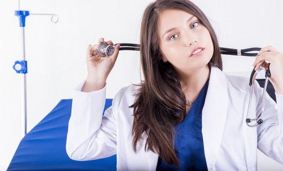 Rutin Periksa ke Dokter - Cara Menjaga Kesehatan Mata