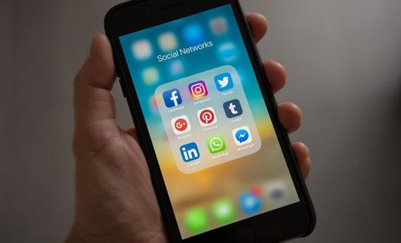 Jangan Cek Media Sosial - Cara Mudah Nikmati Hidup