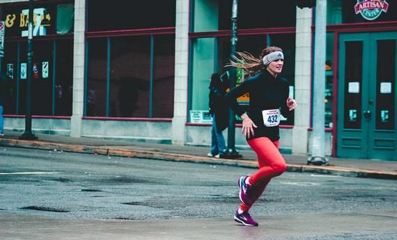 Wanita Berlari